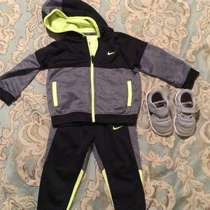Nike Shirts & Tops - Nike toddler jogger suit